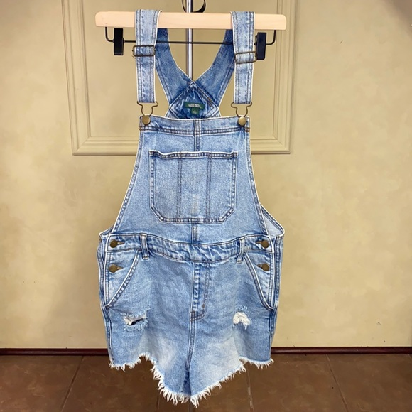 Wild Fable Denim Bib Overall Shorts Size Small